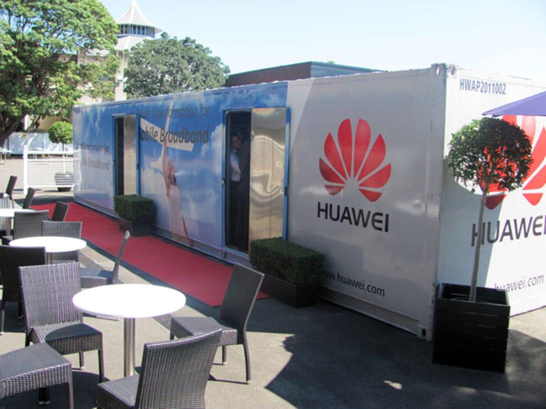 huawei-mobile-broadband-roadshow-pics1.jpg