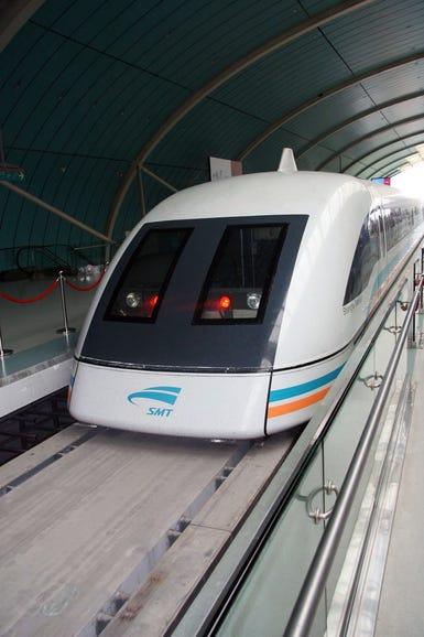 huawei-broadbands-maglev-train-photos2.jpg