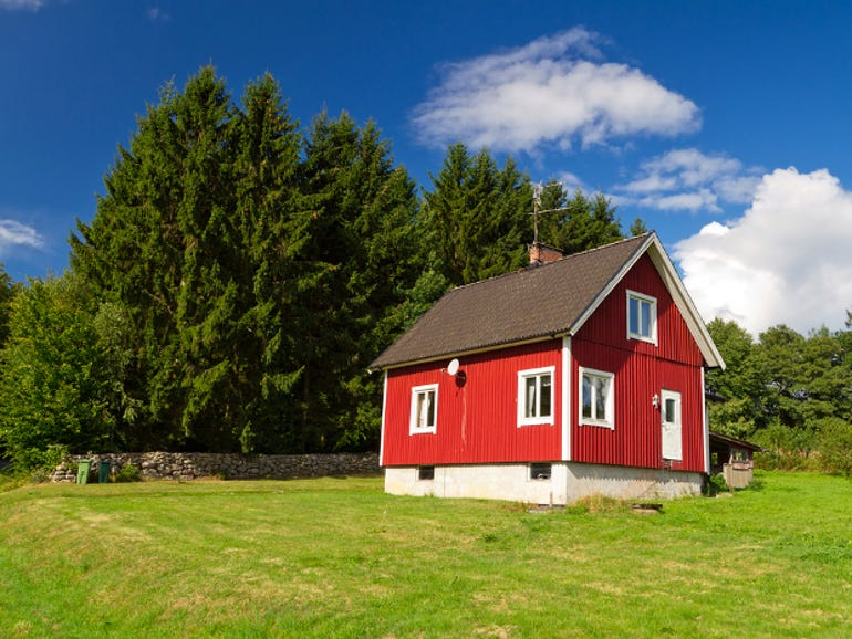 sweden-summer-house-thumb
