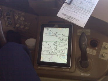 FAA allows pilots to use iPads in all phases of flight; AA to start Friday