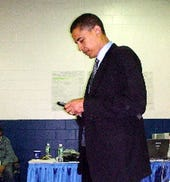 obama-with-blackberry