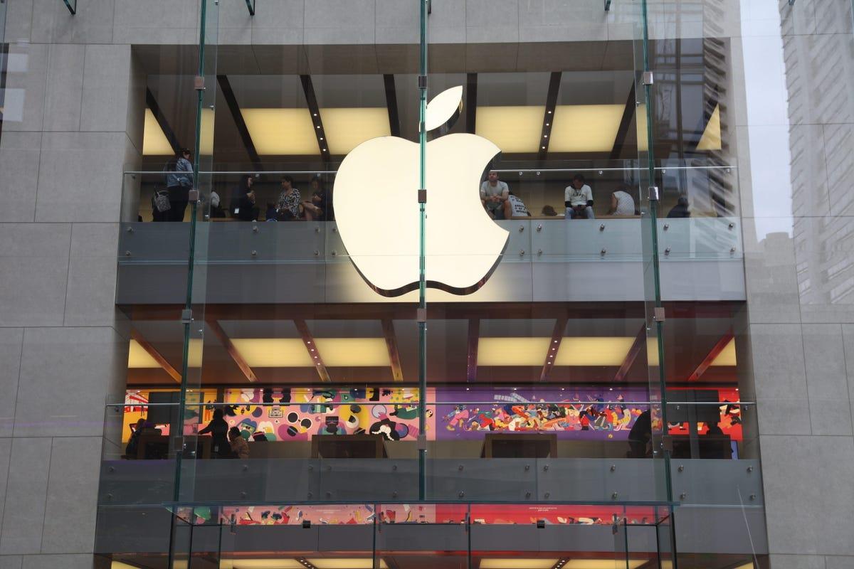 sydney-apple-store-side-super-close-up.jpg