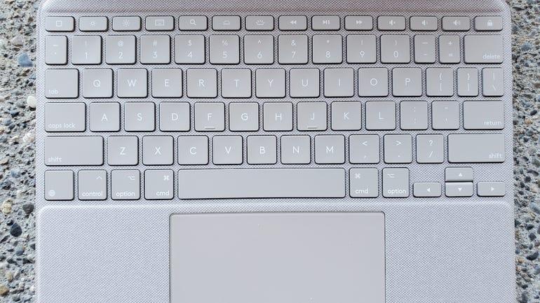 logitech-combo-touch-11-pro-4.jpg