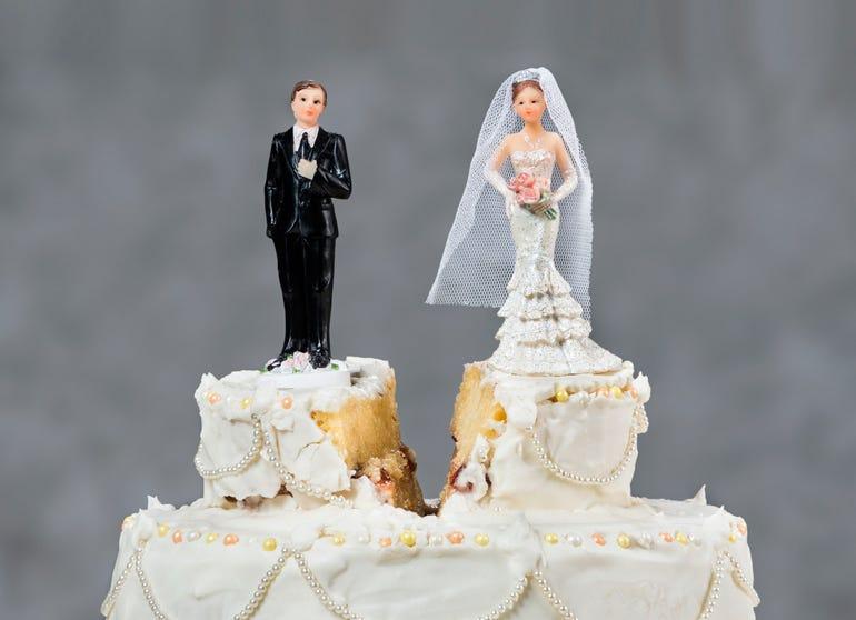 wedding-cake-split.jpg