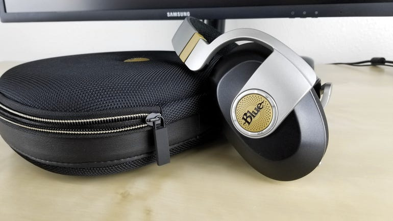 blue-microphones-satellite-wireless-headphones-2.jpg