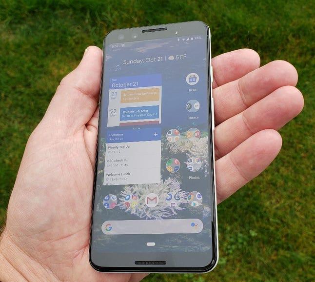 Google Pixel 3 in hand