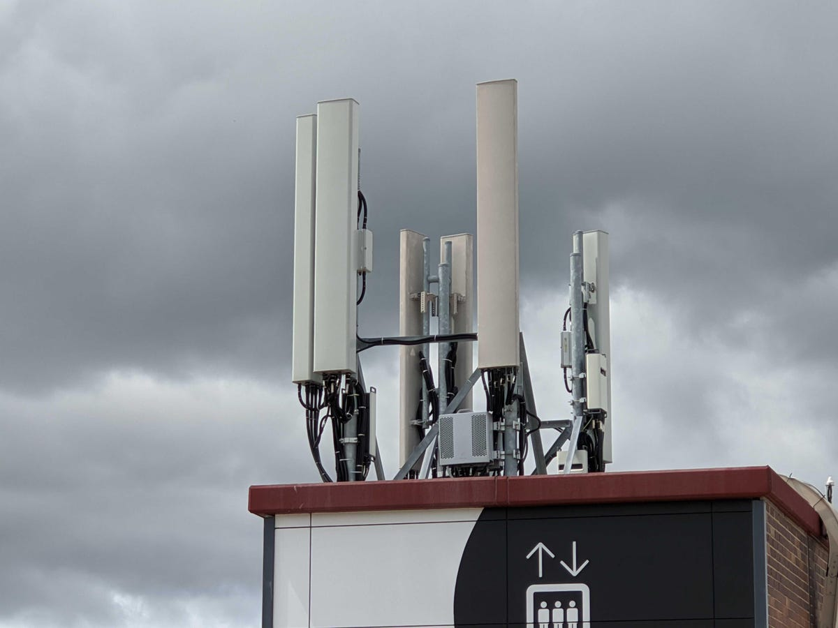 mobile-towers-lte.jpg