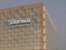 Telefonica teams up with Spanish banks for mobile wallet push