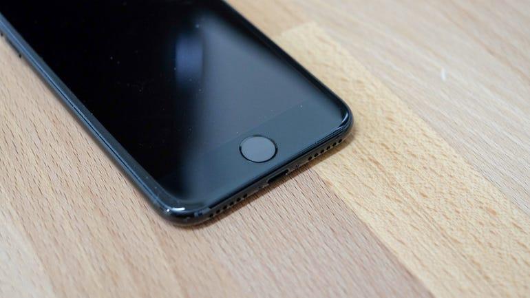 iphone-7-jet-black-4.jpg