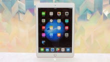 ​Apple defends iPad, tablet turf with price cut