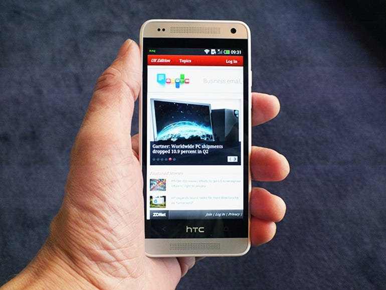 HTC's One mini has a 4.3-inch screen with a resolution of 720 by 1,280 pixels. It's powered by a dual-core Qualcomm Snapdragon 400 processor running at 1.4GHz