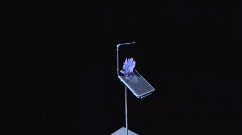 Introducing the Galaxy Z Flip.