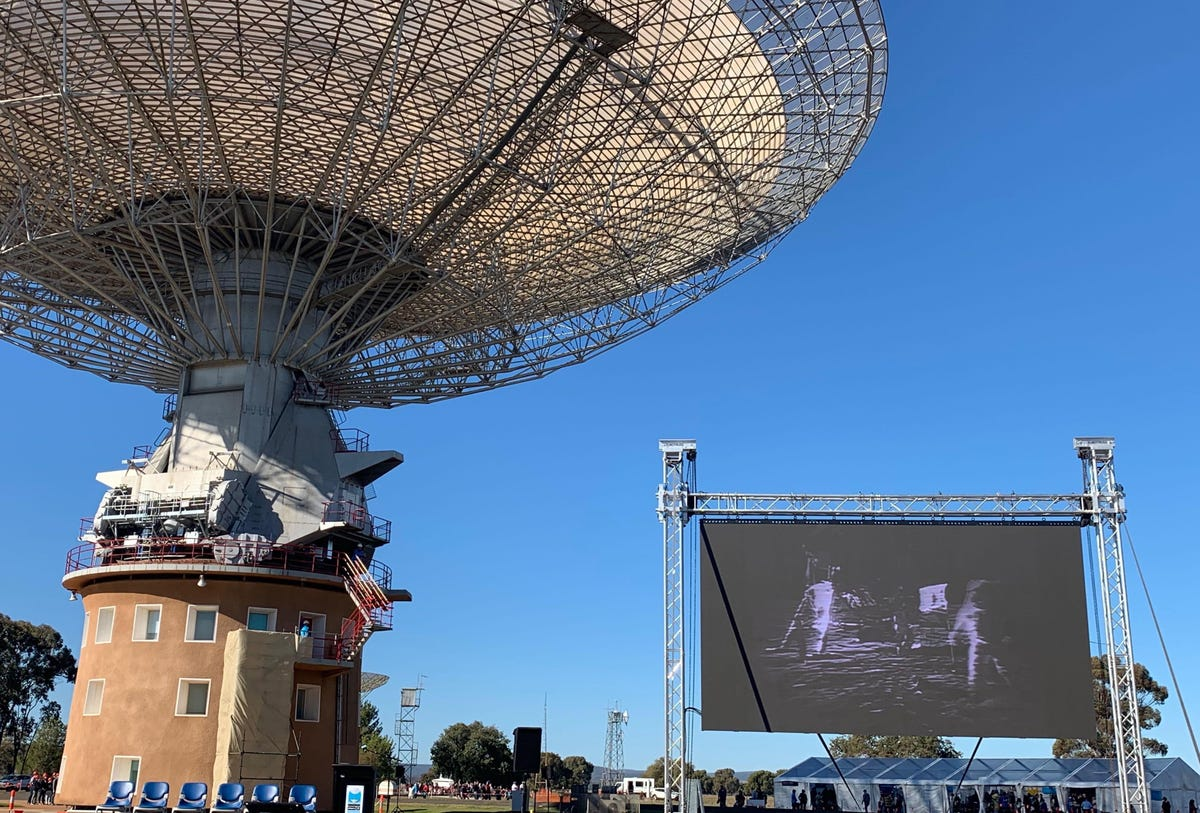 parkes-dish-with-screen.jpg