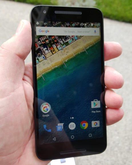 Nexus 5X in hand