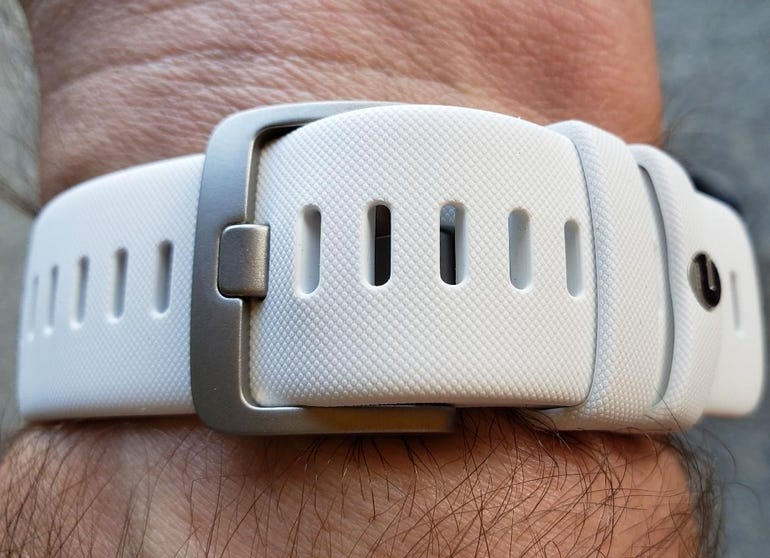 Comfortable band and latch