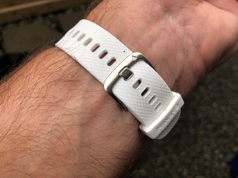 Garmin Vivoactive 3 securing clasp