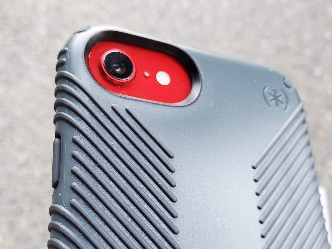 speck-iphone-se-8.jpg