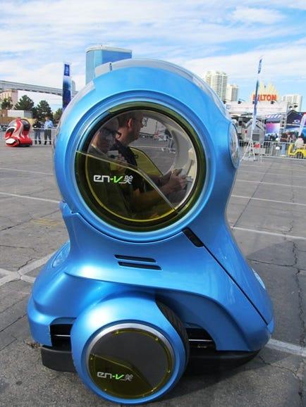 GM's all-electric EN-v concept car