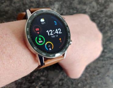 honor-magicwatch-2-on-wrist.jpg