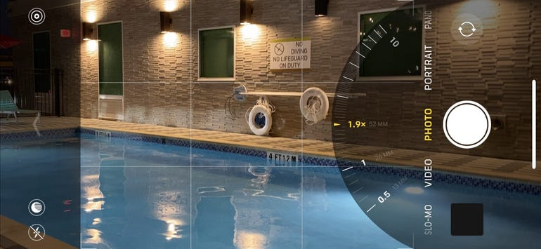 Cool zoom dial moves through all three cameras flawlessly