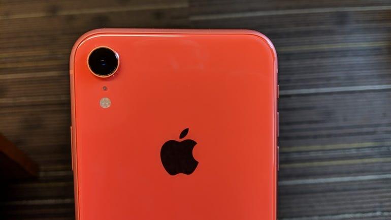 iphone-xr-4.jpg
