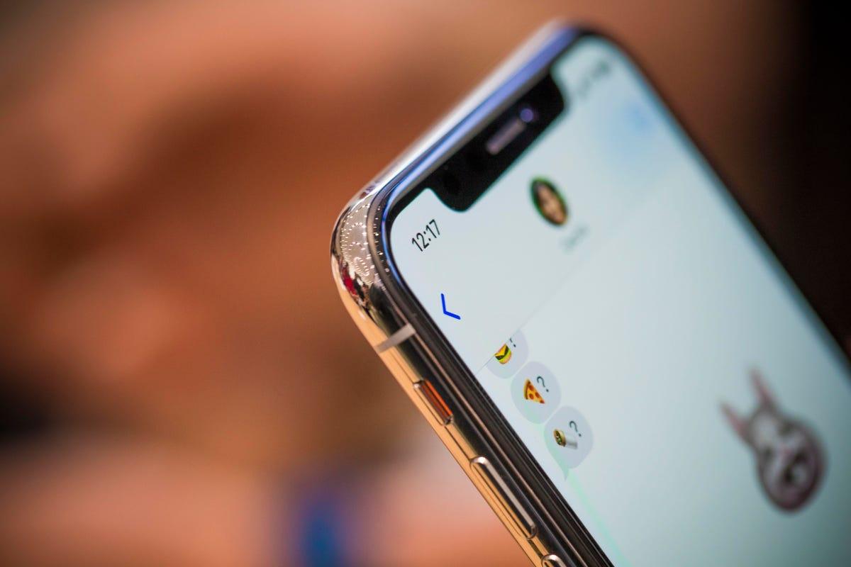 apple-091217-iphone-x3906.jpg