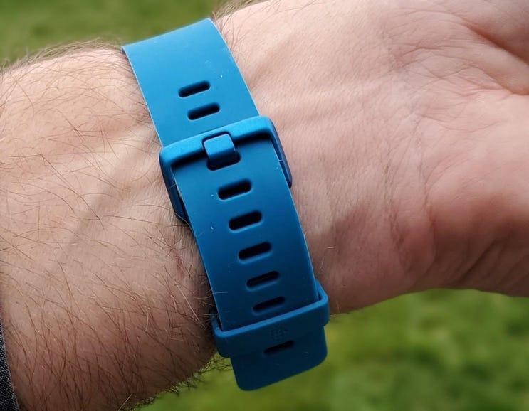 Marine Blue Fitbit Versa Lite clasp