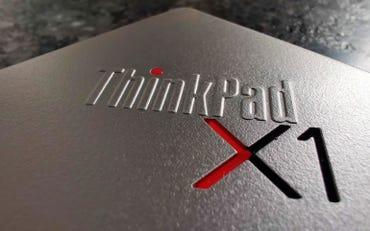 lenovo-thinkpad-x1-titanium-yoga-lid-branding.jpg