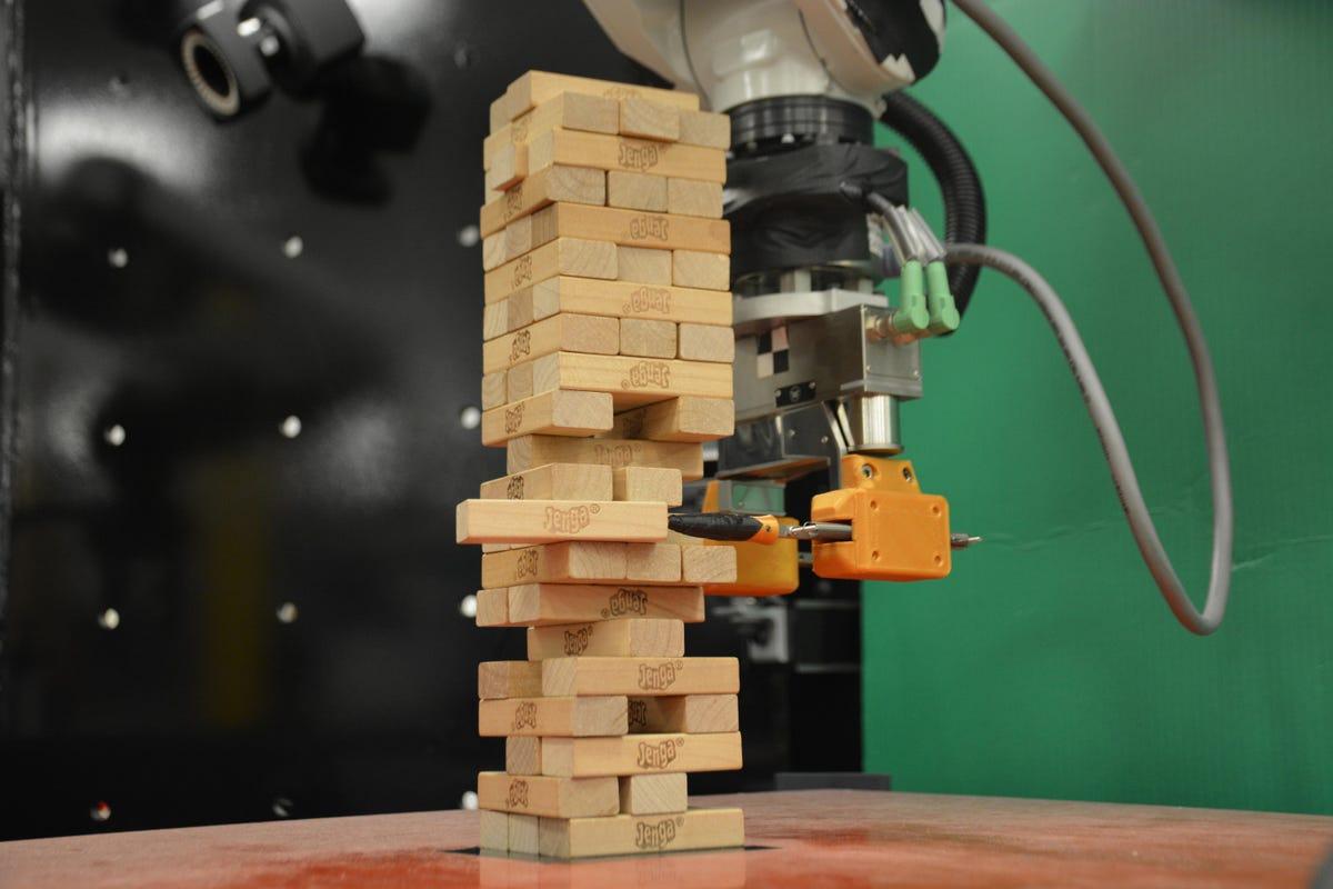 mit-jenga-robot-press-1.jpg