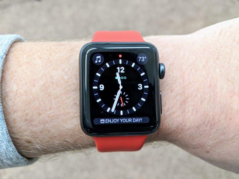 apple-watch-series-3-w-cell-signal.jpg