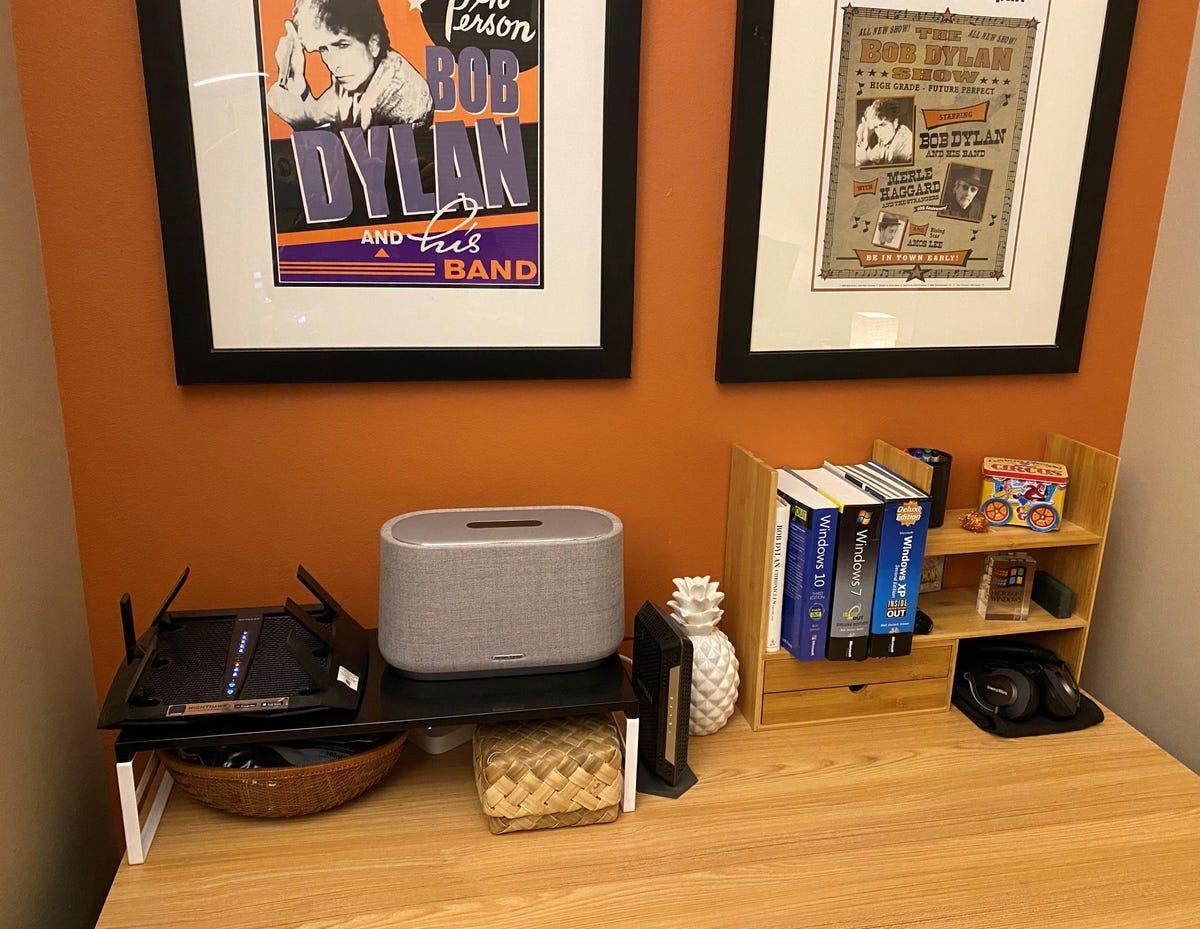peripherals-table-bott-office.jpg