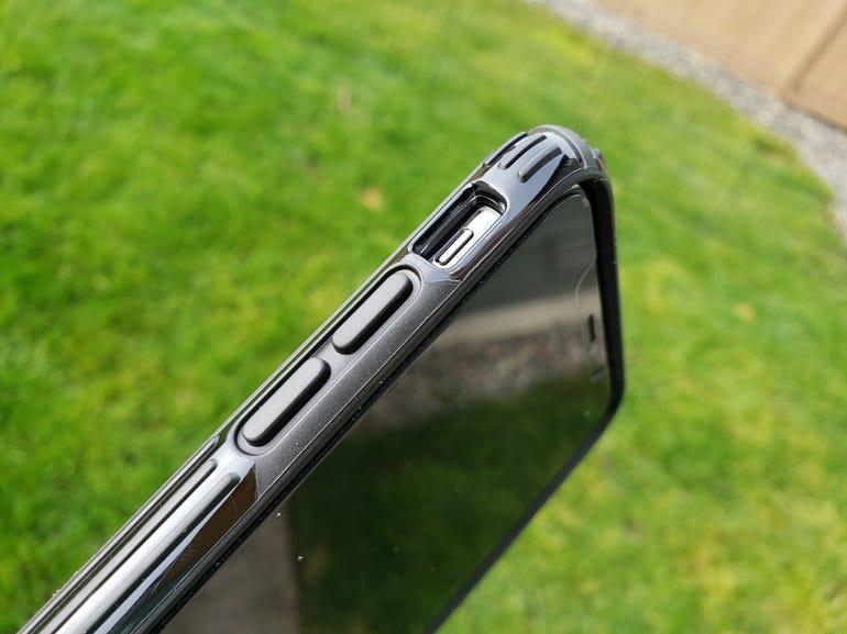 speck-presidio-iphone-xs-2.jpg