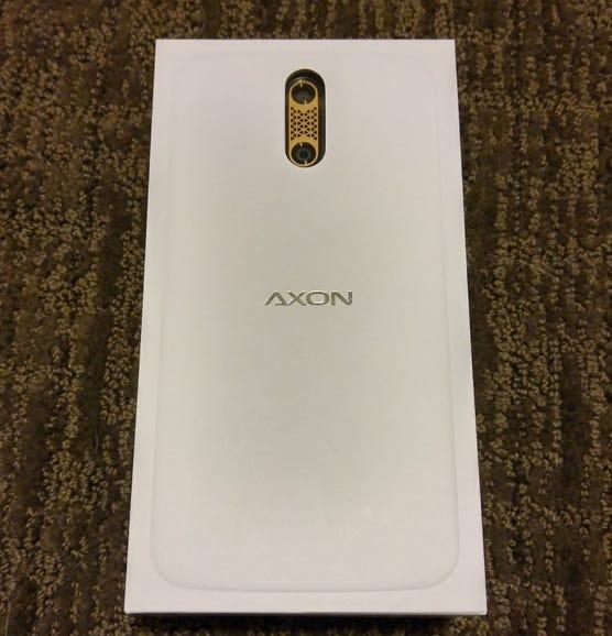 ZTE Axon Pro retail package