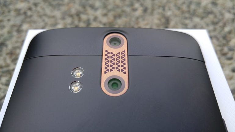 Back dual cameras on the ZTE Axon Pro