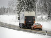 'Road train' tests out hands-free driving