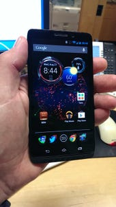 Droid Maxx hands on: Moto X software features, better hardware