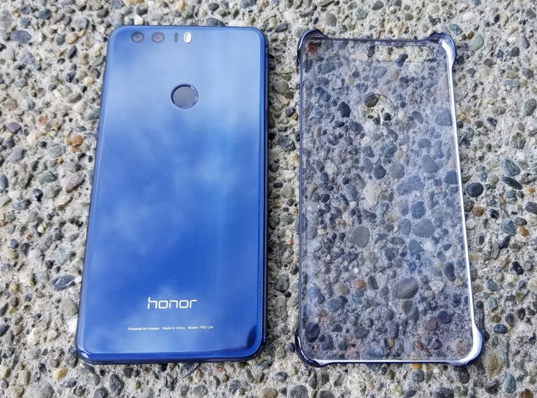 Honor 8 and shell case