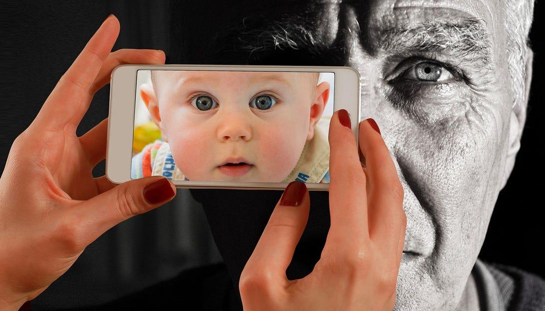 1-baby-smartphone-geralt.jpg