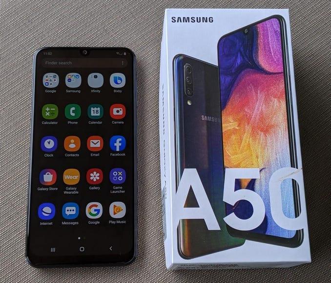 Samsung Galaxy A50 retail package