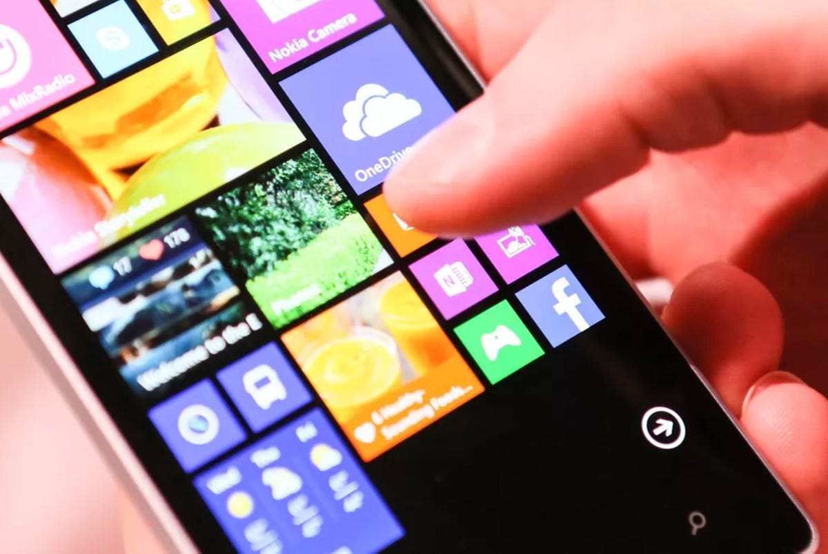 microsoft-purchased-nokias-devices-and-services-unit.jpg