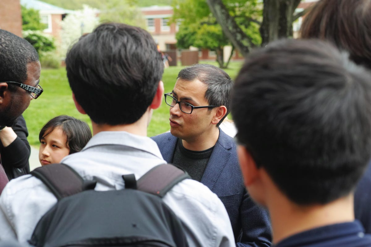 demis-hassabis-talks-to-lecture-attendees-at-princeton-ias-may-4-2019.jpg