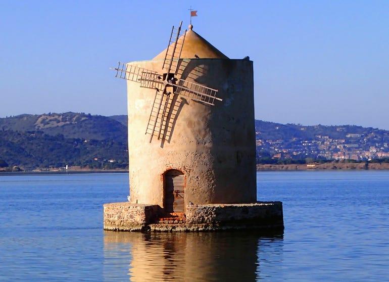 windmill-on-a-data-lake.jpg