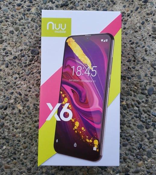 Nuu Mobile X6 retail box