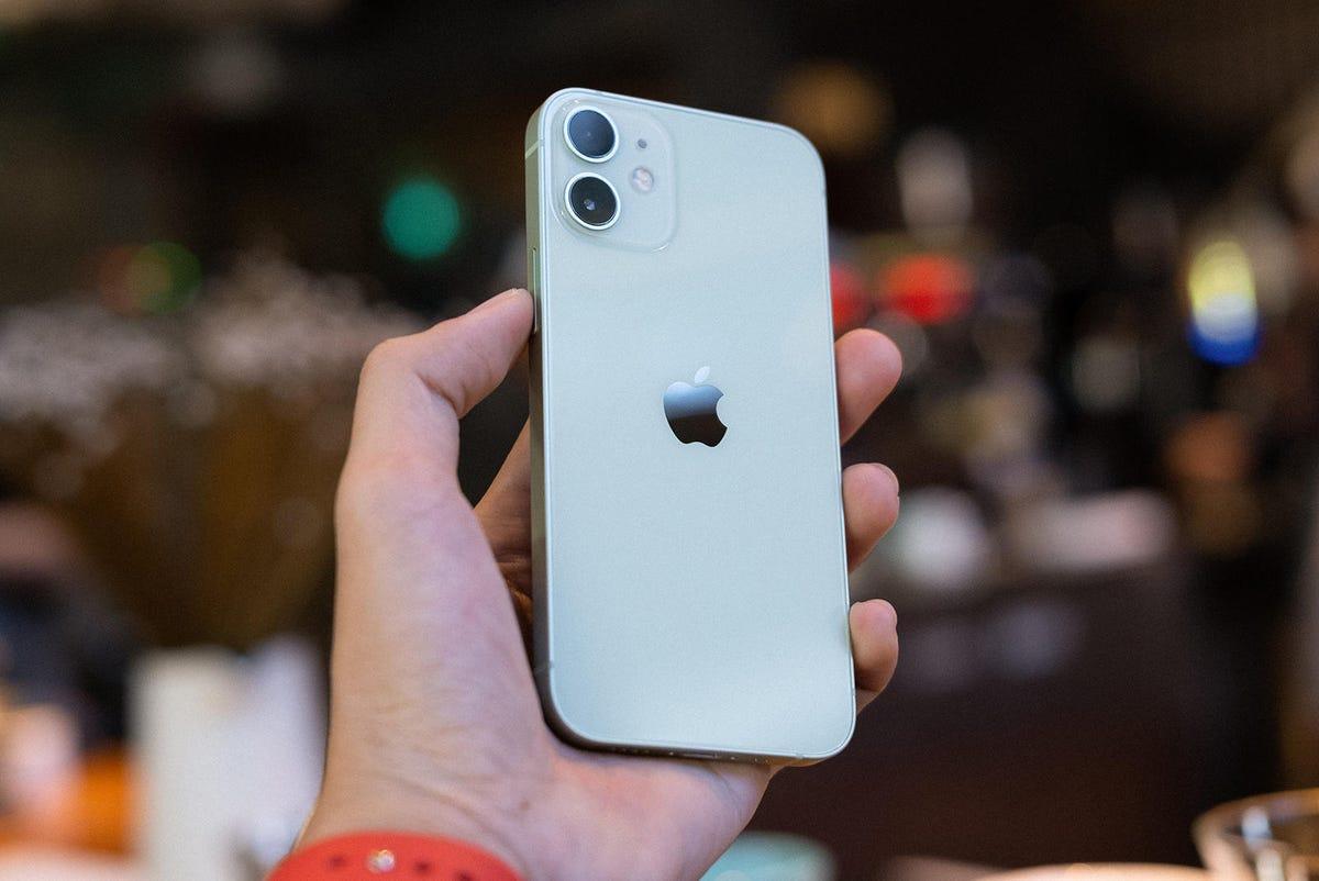 apple-iphone-12-mini-unsplash.jpg