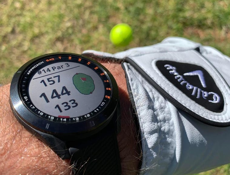 Golfing with the Approach S40