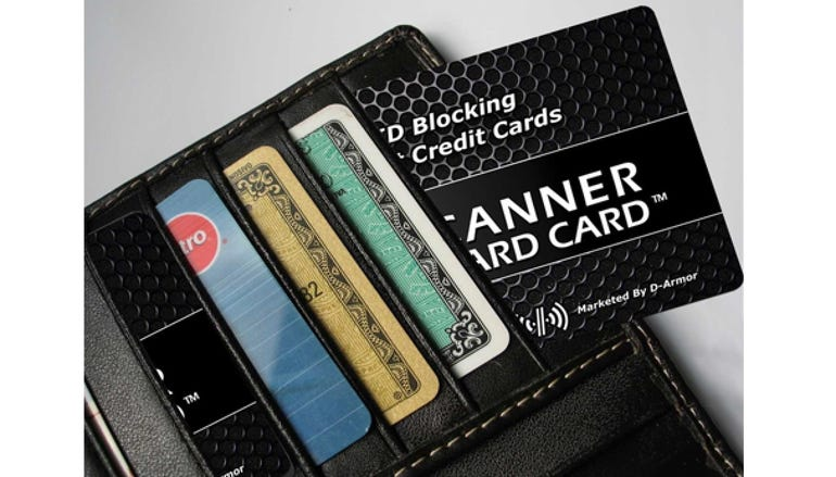 D-Armor RFID wallet protector