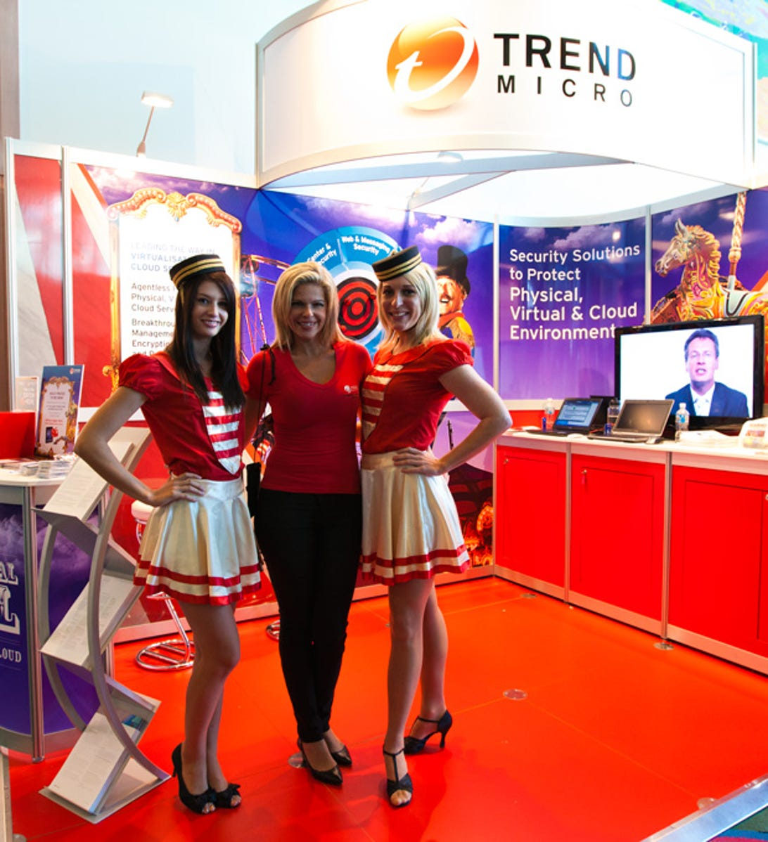 auscert-2011-booth-babes-and-all-pics10.jpg
