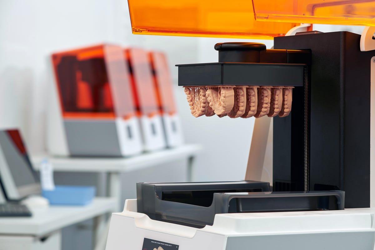 formlabs-form-3b-printer-with-printed-parts.jpg