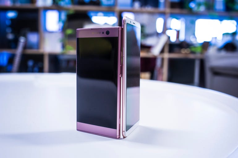 oppo-r11s-xperia-xa2.png