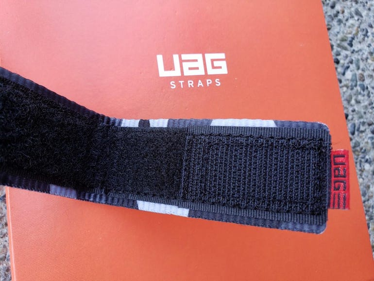 Velcro material securing the Active band